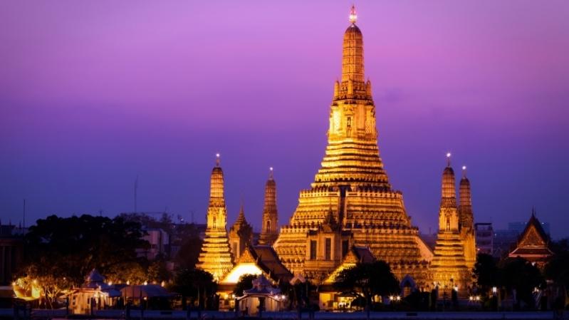 El hombre fue sentenciado a 30 años de cárcel por insultar a la monarquía tailandesa en Facebook